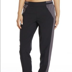 NEW Fabletics Windsor Pant